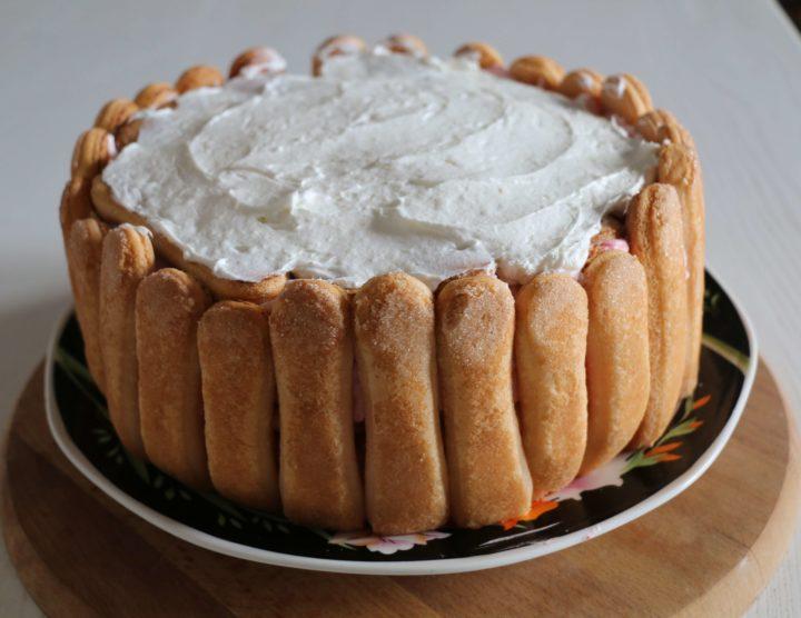 Voćna torta s piškotama