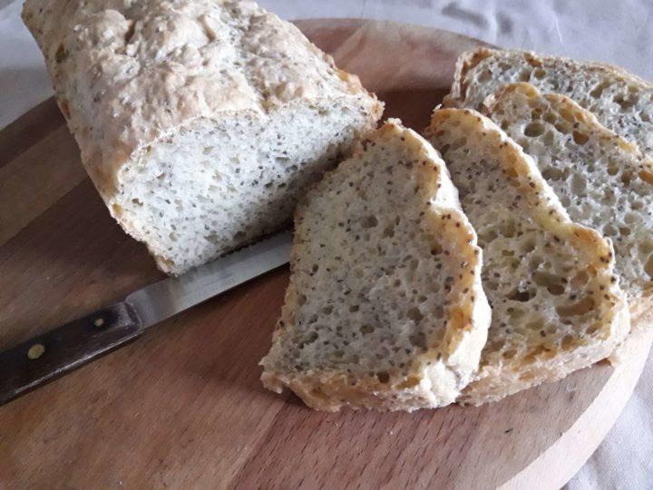 Hleb sa čija-semenkama