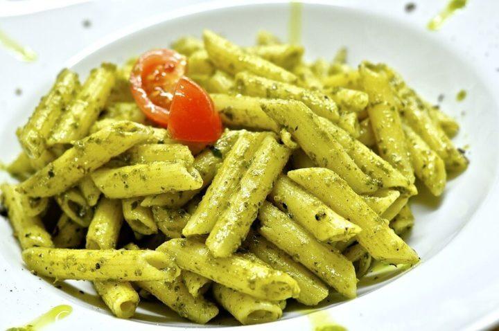 Pene rigate – jedna od omiljenih, koristi se za minestrone; cevasta testenina ukoso sečenih krajeva.
