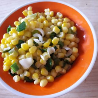 Salata s kukuruzom