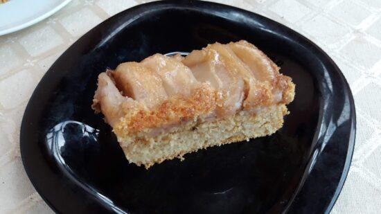 Izvrnuti kolač s jabukama