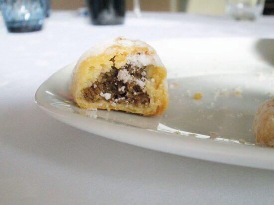 Ružice (2 recepta: s prelivom i tzv. bugarske, bez preliva, uvaljane u prah-šećer)