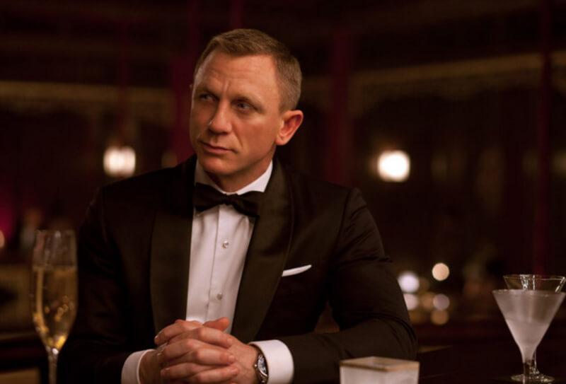Odelo za agenta 007 - Raja Fashions