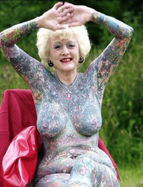 Tradicionalna i akvarel-tehnika tetoviranja