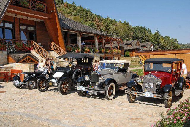 Međunarodni susret oldtajmer-vozila i reli kroz Vojvodinu
