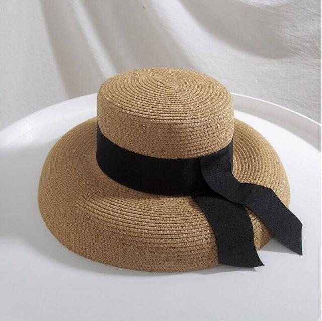 Francuski slamnati ženski šešir - visoka moda šezdesetih