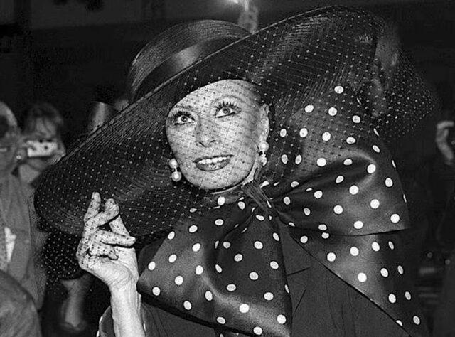 Sofija Loren - da li bi i bez šešira bila maksimalno elegantna