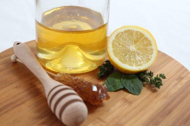 Med i limun s rakijom i maslinovim uljem